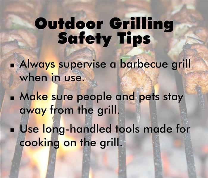 Image if a grill with several tips for safety listed.
