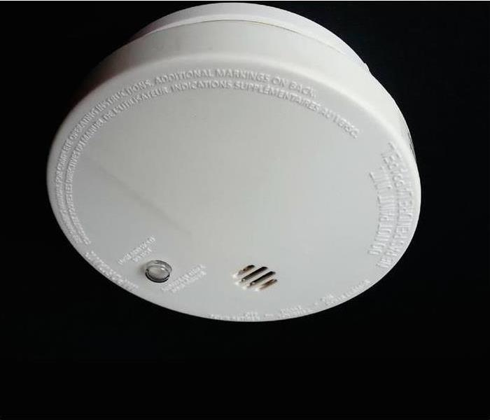 Picture of a smoke detector.